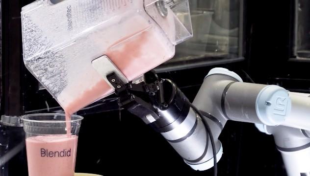 роботизированный киоск смузи