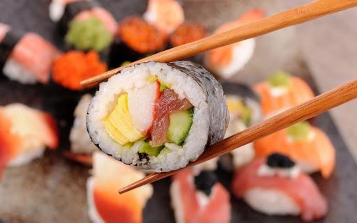 Едим суши правильно